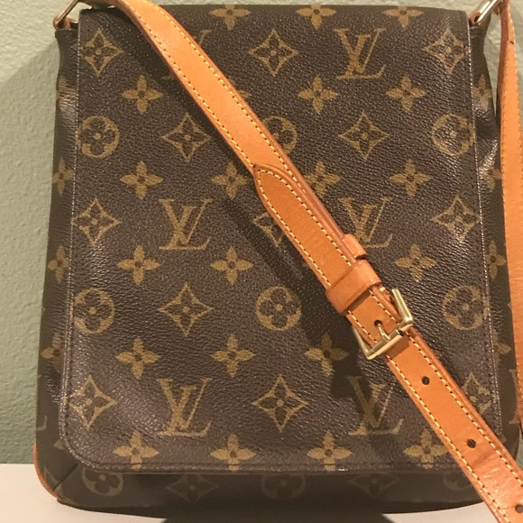 5c0f65272a7 Louis Vuitton Handbags - Authentic Louis Vuitton Monogram Saddle Bag,